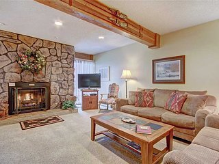 Ski-in from Peak 8 to this 2bdrm condo in the heart of Breck, sleeps 8!