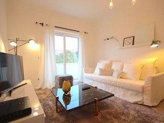 Jambul apartment in Graça with WiFi, balkon & lift., Lisboa