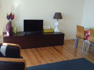Spacious Fagan apartment in Graça with WiFi & balkon.
