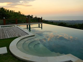 Villa in Lovina with Amazing Sea View