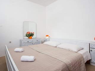 Apartments Paolo- Comfort One Bedroom Apartment with Terrace and Sea View(A2+2)