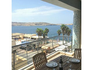 Sunrise 3 Bedroom Apartment With Seaview Terrace., Bugibba