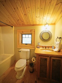 Another view of the guest bathroom at Red Stag Lodge.
