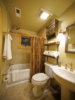 Bathroom on the second floor of Red Stag Lodge.