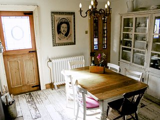 The Cook's Cottage - an old fisherman's cottage that's two minutes from the sea