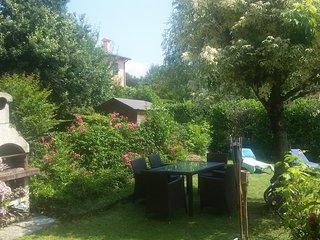 Casa familiare con giardino nelle colline del prosecco - zona Conegliano