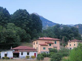 Scenic villa with garden and river access, Bagni di Lucca