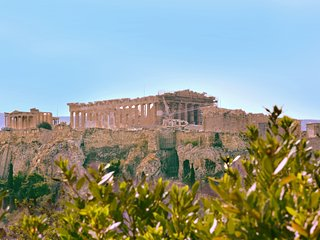 Voted best apartment in Athens center, Thiseio for 4 pepple near Acropolis