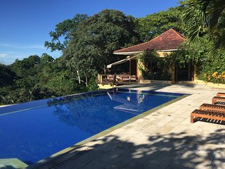Shangri-la, beautiful tropical vacation home with a fantastic view of the Andes