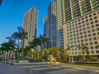 MIAMI: Three-Bedroom Luxury Suite in Downtown Brickell, Miami