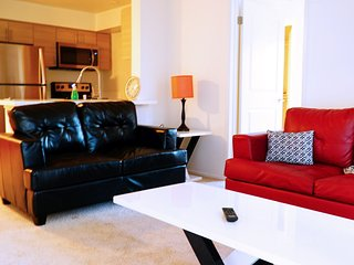 2BR Upscale Apartment in San Diego Marina District