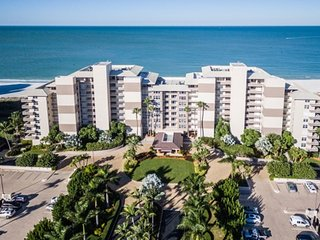 Somerset 809 - Great Location, Beachfront Condo!