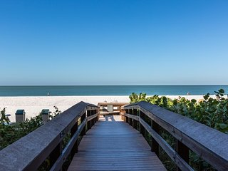 Apollo 309 - Great Location Beachfront Condo!