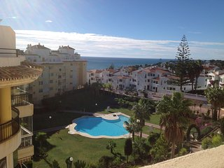 Great 2 bed, 2 bathroom 3rd floor apartment with sea views and pool In La Cala, La Cala de Mijas