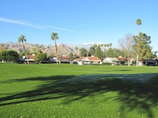 ET54 - Rancho Las Palmas Country Club - 3 BDRM + DEN, 2 BA