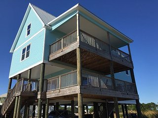 Sea Turtle is a big beautiful home with beach and bay access in Fort Morgan!!