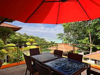 Well-equipped Sea View Villa in Kalim, Patong