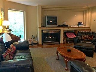 Snowline Cabin #29 - An Ultra Custom Family Vacation Home!