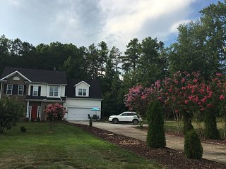 Large Beatiful Home on 1/2 Acre close to Uptown and University, Charlotte