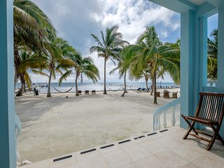 Sunset Beach C1! Groundfloor 3 bedroom - Family Friendly/AC/WiFi/kayaks & more!