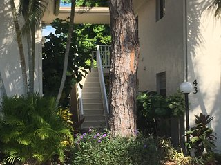 2 Bedroom 2 Bath Condo near Downtown Naples excellent location!, Nápoles