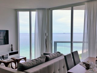 Floor to ceiling ocean views on Miami Beach!, Surfside