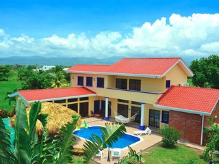 Casa Lila, Tela