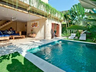 Located in the heart of Seminyak - 2BR Seminyak Villa (Tunjung Villa)
