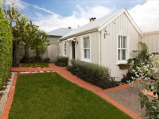 McKenzie Cottage - Historic, charming, discerning cottag in Devonport Village
