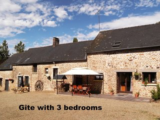 Farmhouse gite in rural Mayenne, France (3 bedrooms), Champgenéteux