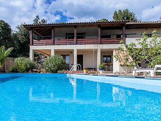Rural villa South of France with private pool sleeps 8-10
