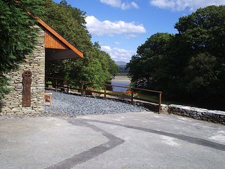 WHITE HORSES COTTAGE - in spectacular location with direct access to beaches, Dolgellau