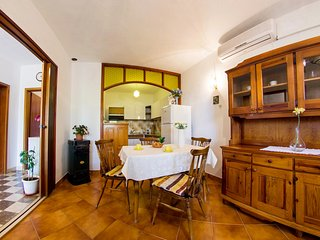 Cozy apartment for five people, Sumartin