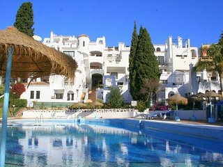 2 bedroom apartment in Pueblo Evita holiday complex,  near beach Costa del Sol, El Arroyo de la Miel