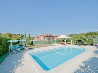 Modern 6 Bedroom villa with private pool near Limoux and Carcassonne, Belveze-du-Razes