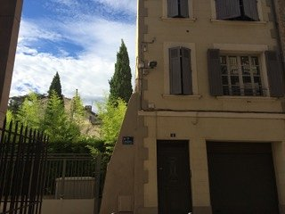 PRIVATE RENOVATED  APARTEMENT, 8 PERS, WIFI, GARAGE, INTRA MUROS, Avignon