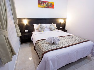 Comfortable Guest House Asta House near the Airport and Kuta Beach