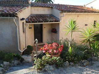 Charming French villa nr Golf, Mandelieu-la-Napoule