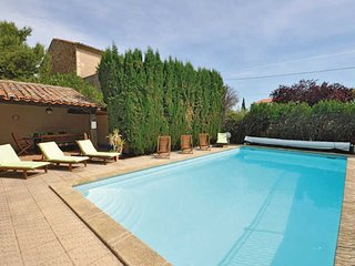 French rental properties in Roujan South France with private pool sleeps 16