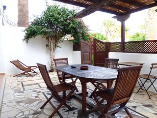 Apartment with terrace and BBQ, 300m from beach, Lanzarote, Puerto del Carmen