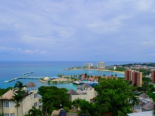 2 Bedroom Apartment with Spectacular View of Ocho Rios