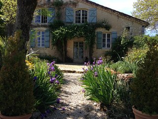 Gers Farmhouse situated in the countryside., Saint-Clar de Lomagne