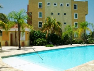 Special Offers Next 2 Private Pool -Tropical Garden Villa, W/Bbq, Close by Beach