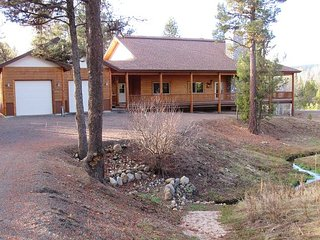 Spacious home with wrap around deck and walk to the Payette River, McCall