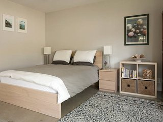 Private & Quite Guesthouse, Culver City