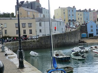 Tenby Harbour cottage