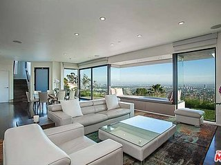 Gated. Mansion. Views., West Hollywood