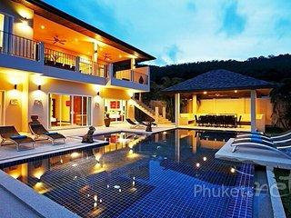 Beautiful 6-Bed Villa near Nai Harn Beach