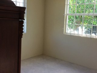 2 bedroom apartment for rent (optional to be furnished or unfurnished), Oistins