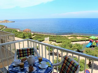 Bellevue - spacious 3 bedroom seafront in Gozo